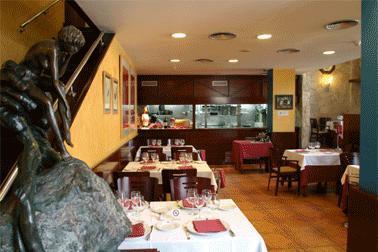 Restaurant_-_casa_uriarte_-_comedor1.JPG