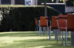Restaurante_-_El_jardi_de_L_Abadessa_-_jardin.JPG
