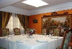 Restaurante_Sanxenxo_-_www.restaurantum.com_-_ambiente_excuisito_-_mesas_del_comedor.jpg