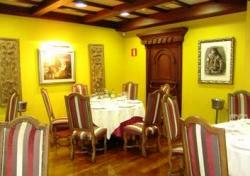 Restaurante_Sanxenxo_-_www.restaurantum.com_-_interior_elegante_acogedor_-_.jpg