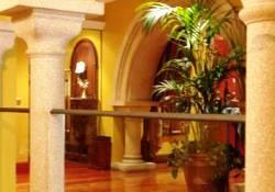 Restaurante_Sanxenxo_-_www.restaurantum.com_-_interior_elegante_y_distinguido.jpg