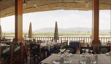Restaurante_Tango_y_Brasas_-_www.restaurantum.com_-_terraza_con_vistas.jpg