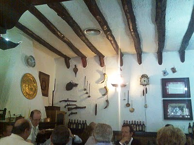 Restaurante_mesón_del_vino_-_www.restaurantum.com__Requena_Valencia-_interior.jpg