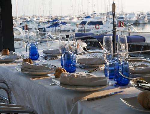 club_nautico_Cambrils_-_restaurantum.com_-_ambiente_en_frente_del_puerto_deportivo.jpg