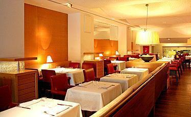 restaurante_-_fonda_gaig_-_comedor.jpg