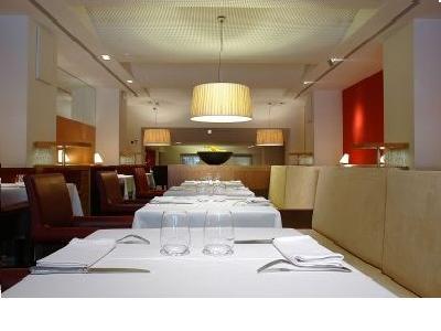 restaurante_-_fonda_gaig_-_comedor1.jpg