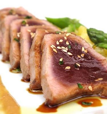 restaurante_La_Balsa_Barcelona_-_restaurantum.com_-_tataki_de_atún_con_piña.jpg