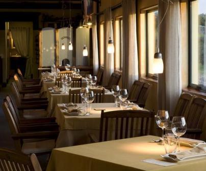 restaurantum.com_-_Restaurant_A_Estación_Cambre_Coruña_-_Comedor_principal_dia.jpg
