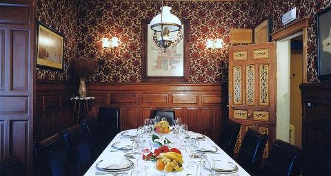 restaurantum.com_-_Restaurante_El_Corregidor_Almagro_-_comedor.jpg