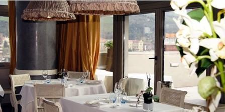 restaurantum.com_-_Restaurante_Etxanobe_-_vistas_desde_el_comedor.jpg