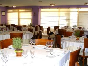 restaurantum.com_-_restaurant_La_Goleta_-_salon.jpg