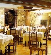 restaurantum.com_-_restaurant_asador_soriano_bembibre_pontevedra_-_comedor_rustico.jpg