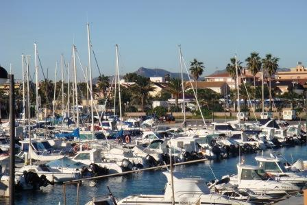 restaurantum.com_-_restaurant_playa_canet_-_vistas_al_puerto_deportivo.JPG