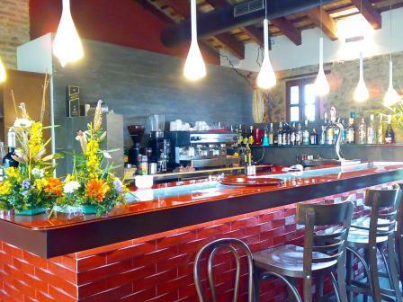 restaurantum.com_-_restaurante_Alqueria_del_Brosquil_-_Barra.JPG