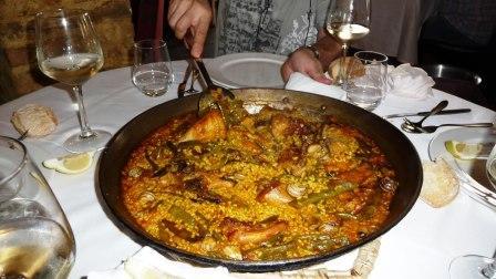 restaurantum.com_-_restaurante_Alqueria_del_Brosquil_-_La_Paella.JPG
