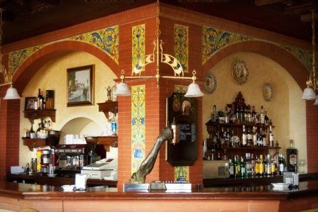 restaurantum.com_-_restaurante_Balcon_del_Adarve_Cordoba_-_Barra_en_el_meson.jpg