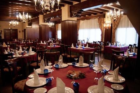 restaurantum.com_-_restaurante_Balcon_del_Adarve_Cordoba_-_Salón.jpg