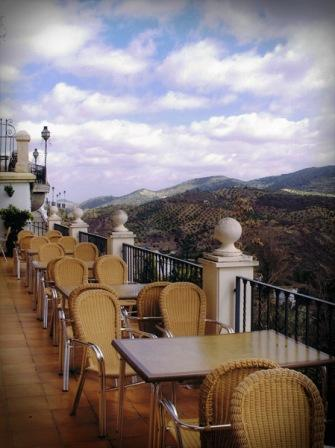 restaurantum.com_-_restaurante_Balcon_del_Adarve_Cordoba_-_Terraza_con_mesas.jpg