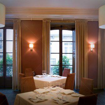 restaurantum.com_-_restaurante_España_-_salon.jpg