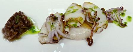 restaurantum.com_-_restaurante_La_Cesta_Madrid_-_Chipirones_a_la_plancha.jpg