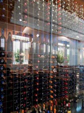 restaurantum.com_-_restaurante_La_Cesta_Madrid_-_botellero1.jpg