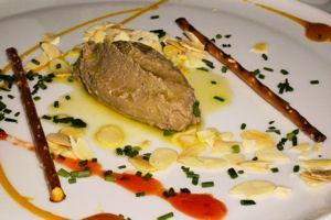 restaurantum.com_-_restaurante_La_Sarga_Cazorla_-_mus_de_foie_grass_de_conejo.jpg