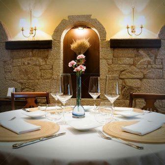 restaurantum.com_-_restaurante_O_Retiro_da_Costiña_-_Mesa.jpg