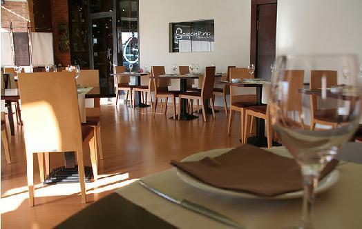 restaurantum.com_-_restaurante_Sangonereta_Valencia_-_salon.jpg