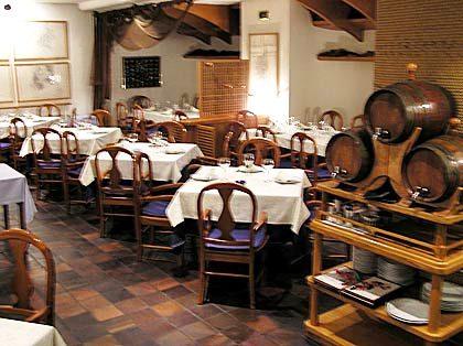 restaurantum.com_-_restaurante_bitácora_-_comedor.jpg