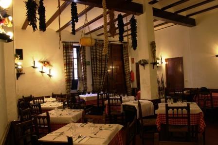 restaurantum.com_-_restaurante_casa_gijon_-_salon_el_casal.JPG
