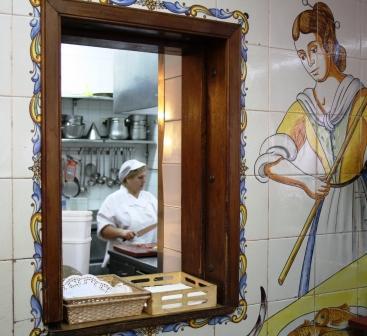 restaurantum.com_-_restaurante_casa_gijon_-la_cocina.JPG