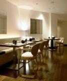 www.restaurantum.co_-_restaurante_senzone_madrid_-_comedor_y_decoración_minimalista.jpg