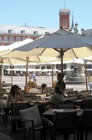 www.restaurantum.com_-_Casa_Maria_-_Comedor_plaza_mayor1.jpg