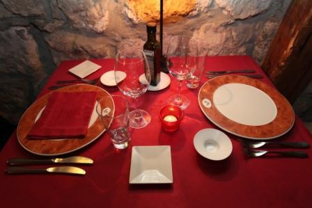 www.restaurantum.com_-_El_Arambol_en_Hotel_Casa_del_Abad_-_Mesas.JPG
