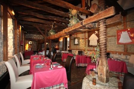 www.restaurantum.com_-_El_Arambol_en_Hotel_Casa_del_Abad_-_Restaurante.JPG