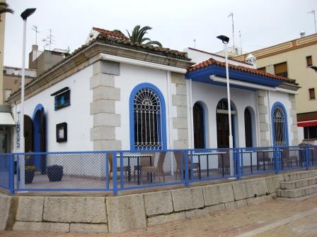 www.restaurantum.com_-_El_Faro_-_Edificio_con_terraza.jpg