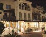 www.restaurantum.com_-_Restaurant_Can_Laury_Peix_-_Entrada_en_el_puerto_de_aigua_dolc_Sitges.jpg