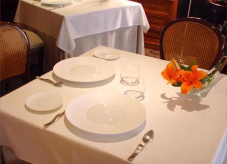 www.restaurantum.com_-_Restaurante_-_Café_de_París_-_Mesas.JPG