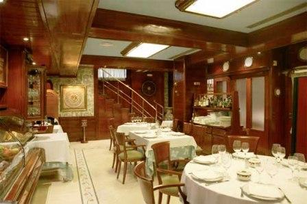 www.restaurantum.com_-_Restaurante_Aragon_58_-_Sala_interior.jpg