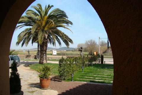 www.restaurantum.com_-_Restaurante_Botic_-_Exterior.jpg