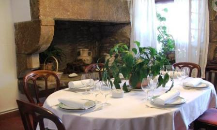 www.restaurantum.com_-_Restaurante_Casa_Bóveda_en_Carril_-_Comedor_privado.JPG