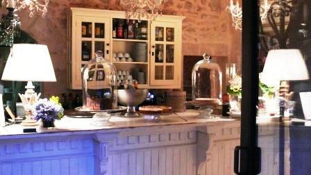www.restaurantum.com_-_Restaurante_Cassai_-_Comedor_con_ambiente_tradicional.JPG