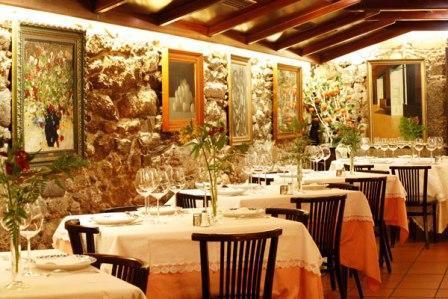 www.restaurantum.com_-_Restaurante_Coral_-_Comedor_1.jpg
