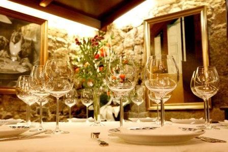 www.restaurantum.com_-_Restaurante_Coral_-_Comedor_mesas.jpg