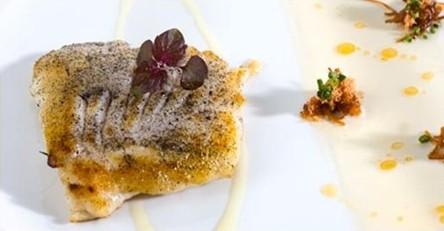 www.restaurantum.com_-_Restaurante_Diverxo_Madrid_-_Raya_al_carbón_con_salsa_XO_versión_ibérica.jpg