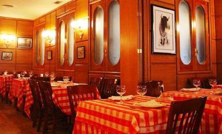www.restaurantum.com_-_Restaurante_El_Buey_Madrid_-_Comedor.JPG