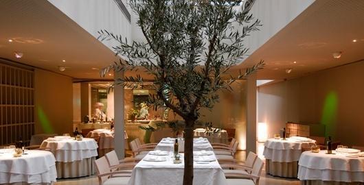 www.restaurantum.com_-_Restaurante_El_Chaflan_-_ambiente_interior.jpg
