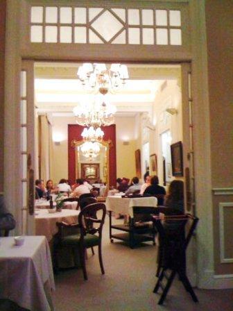 www.restaurantum.com_-_Restaurante_El_Club_Allard_-_Decoración_de_la_sala.jpg