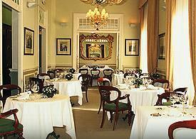 www.restaurantum.com_-_Restaurante_El_Club_Allard_-_Los_Salones_1.jpg