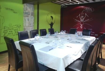 www.restaurantum.com_-_Restaurante_El_Doncel_-_Salon_1.JPG